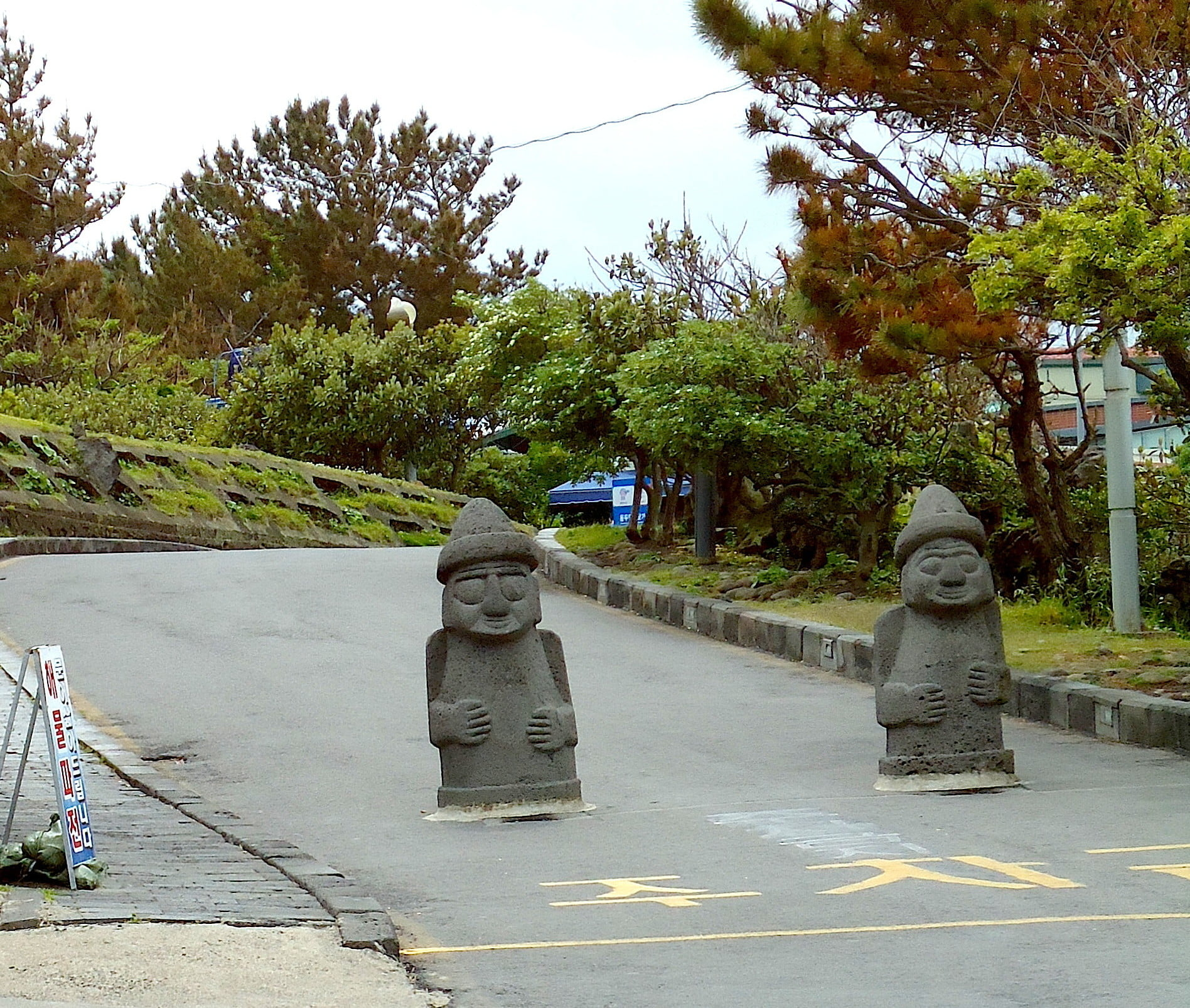 Харубаны – каменные старички