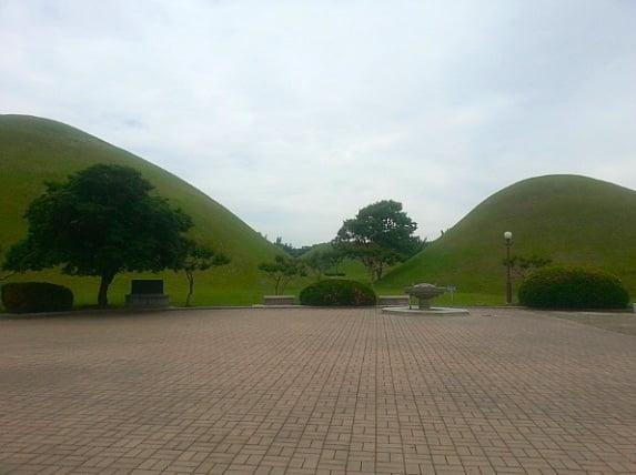 Гробницы в Кёнджу
