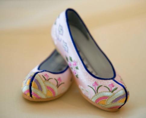 Корейские традиционные туфли