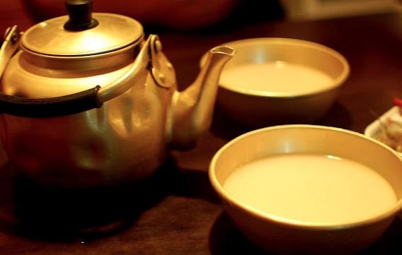 Корейское рисовое вино макголи