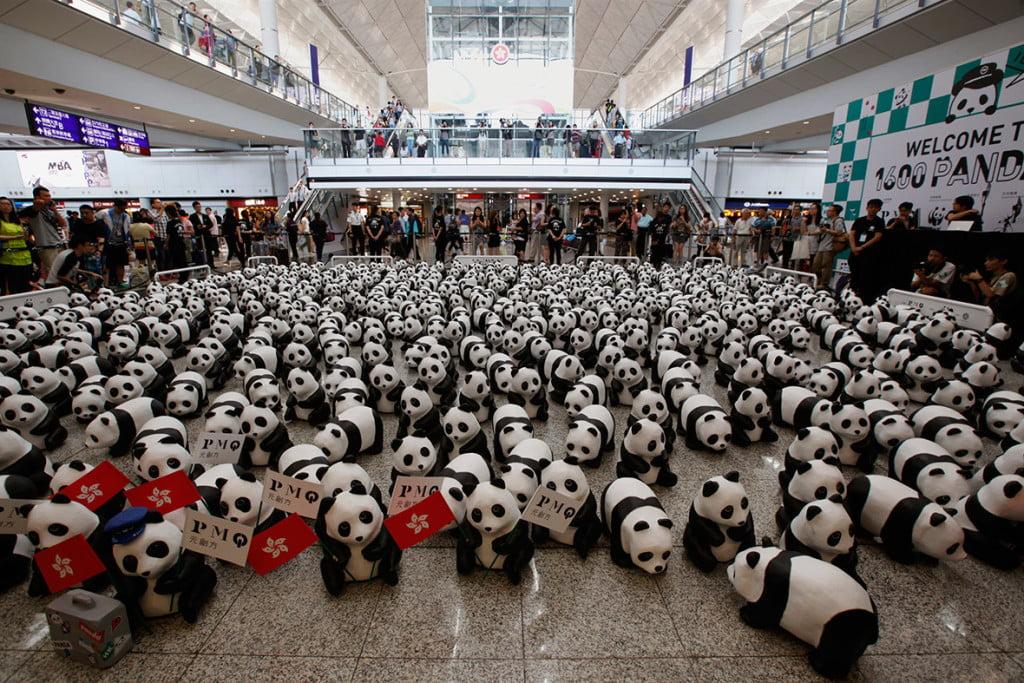 Скульптура панды
