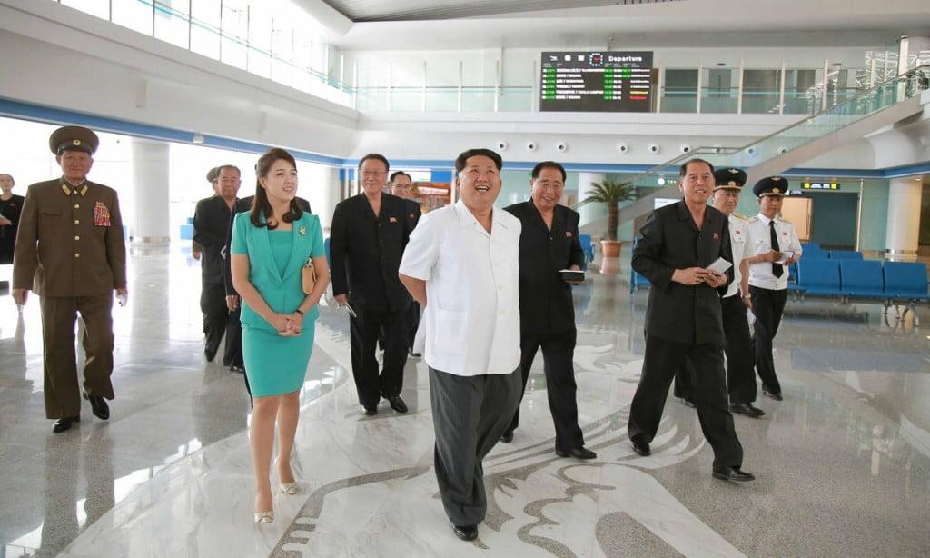 Ким Чен Ын посетил новый терминал в Пхеньянском аэропорту
