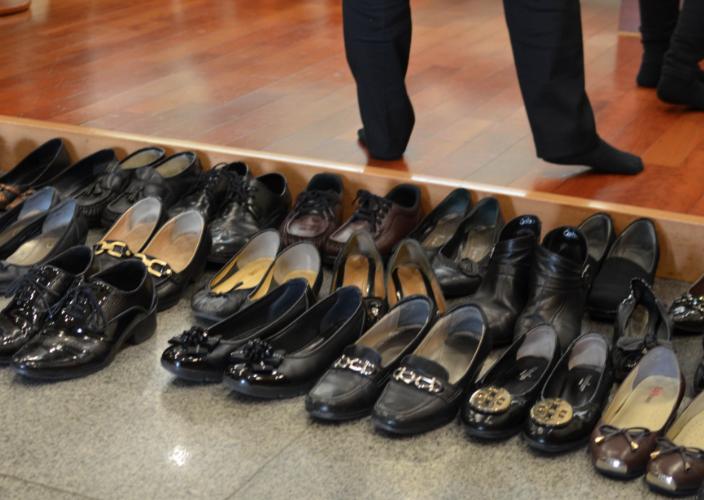 Корейцы снимаю обувь, входя в помещение