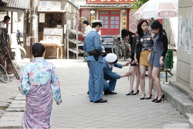 Кореянки в коротких юбках