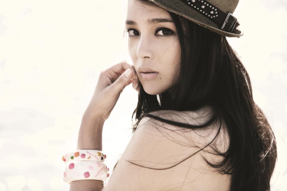 Южнокорейская актриса Пак Ши Ён