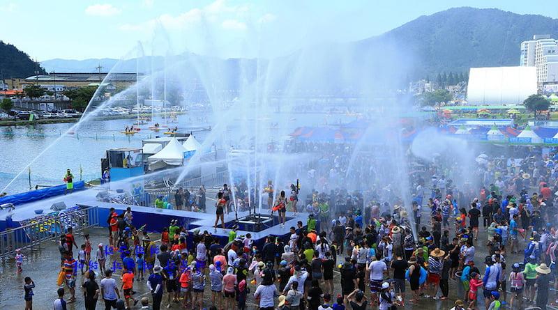 Фестиваль воды в Корее